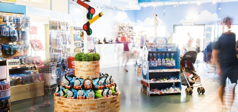 HOW TO AUGMENT GUEST EXPERIENCE AT VISITOR ATTRACTIONS THROUGH SMARTER RETAIL MARKETING